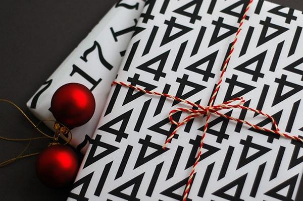 Typografisches-Geschenkpapier-Angelo-Stitz