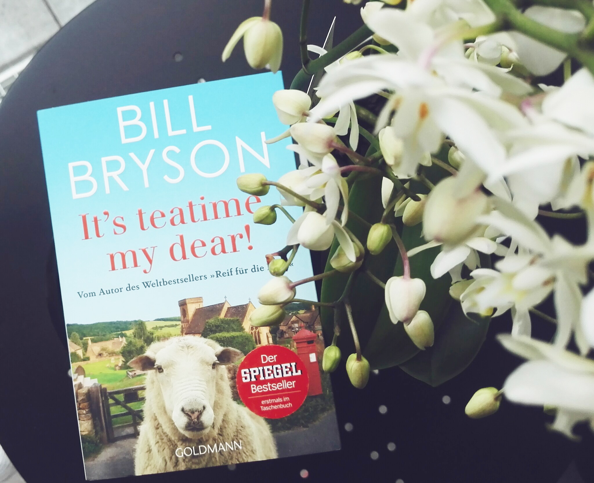 Bill Bryson, It's tea time, my dear